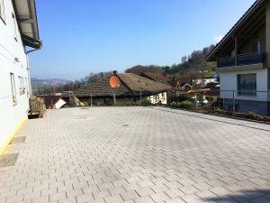 Neuer Verbundsteinplatz
